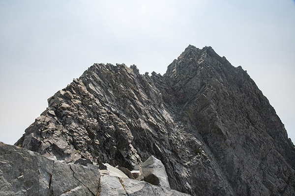 The final ridgeline to the summit.